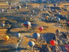 土耳其游客旅游景点涂鸦或面临牢狱之灾
