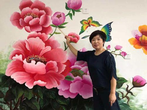 从农村姑娘到农民画馆长 郭荣梅梅花香自苦寒来