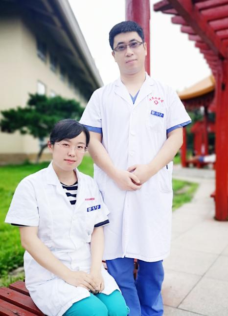长春市传染病医院杨忠明为同在医院的妻子杨玉超写下了一封情书: