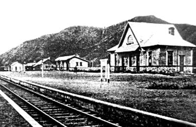 ▲龙潭山火车站旧影 摄于上世纪三十年代