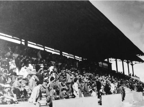 万博manbetx客服历史上的高尔夫球场和赛马场