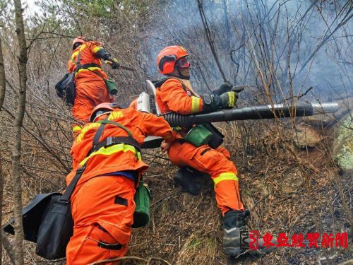 吉林省森林消防总队400名指战员全力扑救山西榆