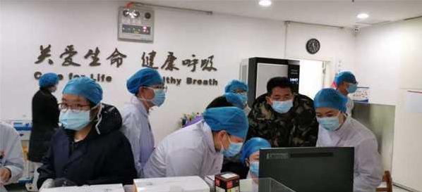 吉大二院重症救治医疗队兵分两路,继续奋战在武汉一线