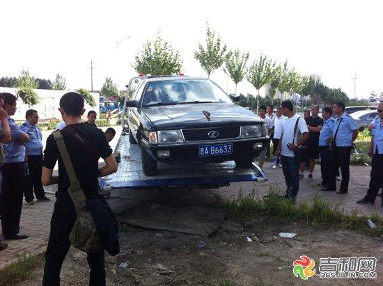 昨天早上长春市多部门联合执法行动对华港二手车市场周边...