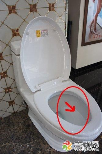 马桶溅水怎么办 选好质量马桶不会溅到pp