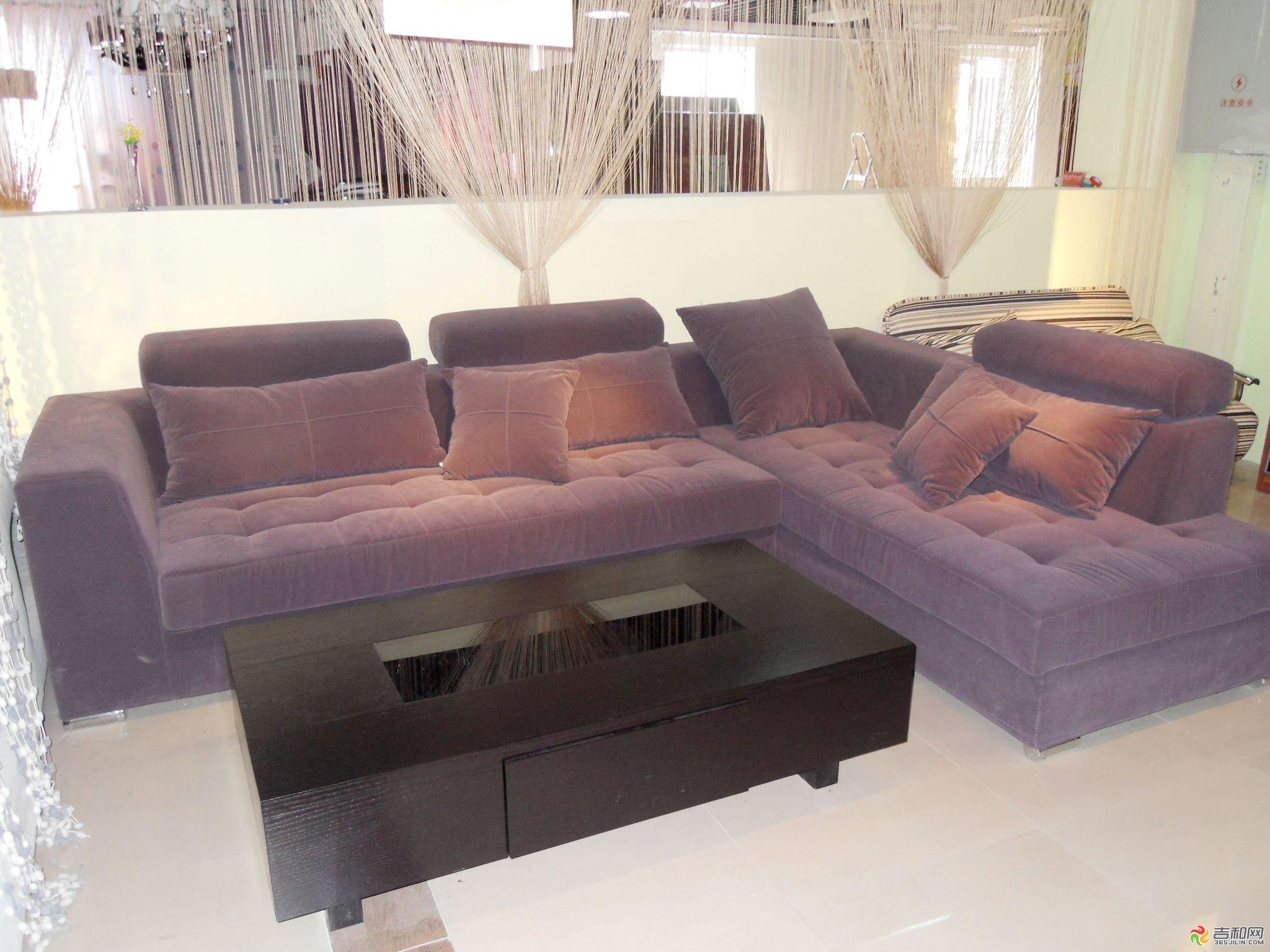 怎样清洁布艺沙发 清洁布艺沙发的方法与窍门
