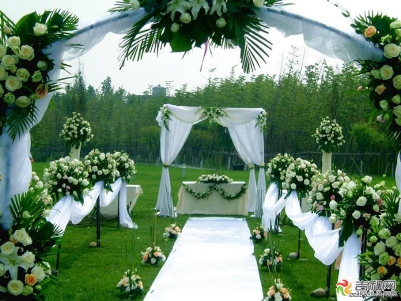 婚礼(31项婚礼服务,酒店和车队在外),地点为东湾半岛,净月山庄,大鹅岛