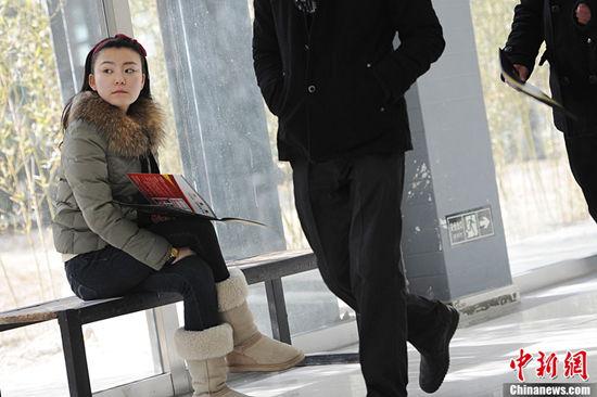 北影2013报名美女多 冯小刚:演艺圈就是婊子行图