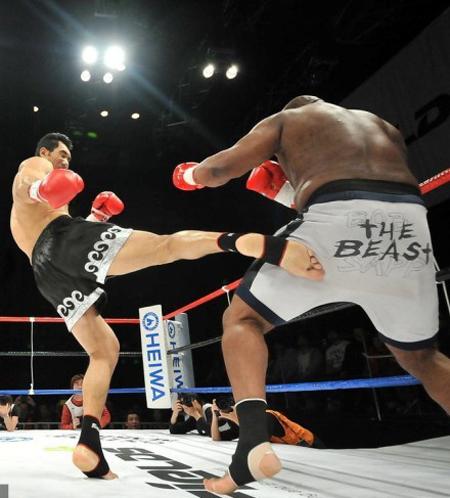 2013日本自由搏击格斗竞技擂台赛ge