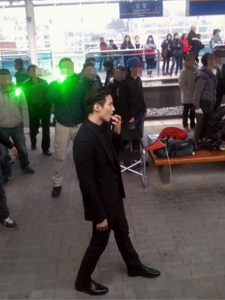 元斌地铁站被抓拍 kara姜智英洗浴素颜照曝光