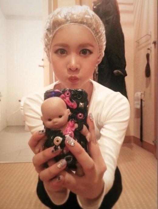 韩国可爱小萌娃撅嘴