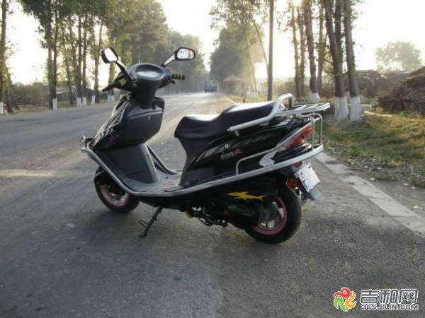 出售2010年大洲本田踏板摩托车