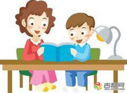 由于声音嘈杂,哭闹着要走人,说明没有愉悦自由阅读氛围小孩子岂能读书图片