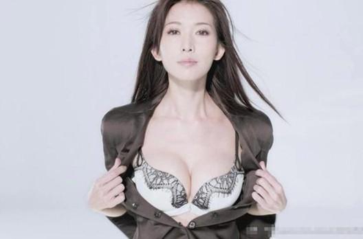 林志玲泳装旧照曝光 证胸部系天图片